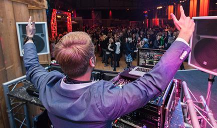 Julian Hügelmeyer - Moderator, DJ