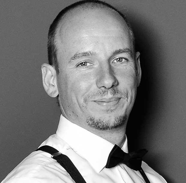 Julian Hügelmeyer - Entertainment Dennis